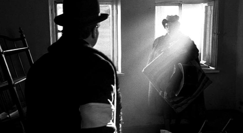 "essays on schindlers list the movie According to the internet movie database, ""schindler's list"" is steven spielberg's  art essay / media arts essays / cinematography essays / schindler's list."